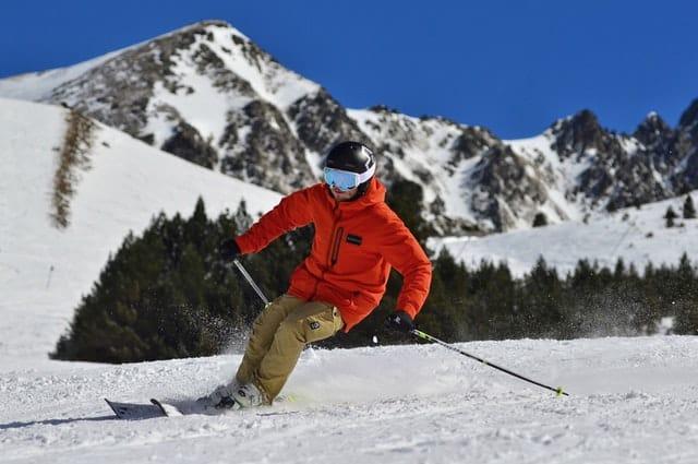 Skier op besneeuwde helling | Mijn Keus