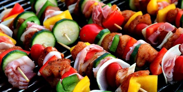vlees en groente spies op de barbecue | Mijn Keus